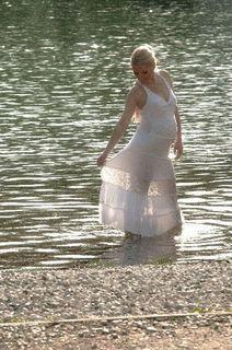 海辺の妊婦さん.jpg